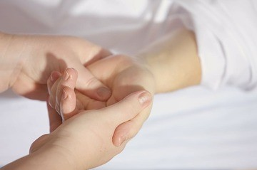 7 Pressure Points for Insomnia and Better Sleep - Cover